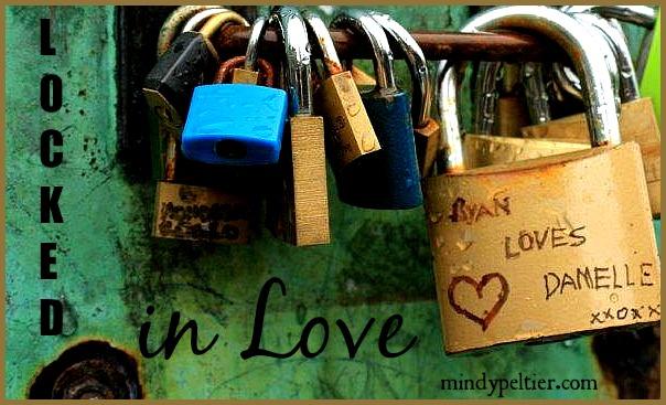 @MindyJPeltier photographed Ryan's locked love for Damelle near Westminster Bridge.